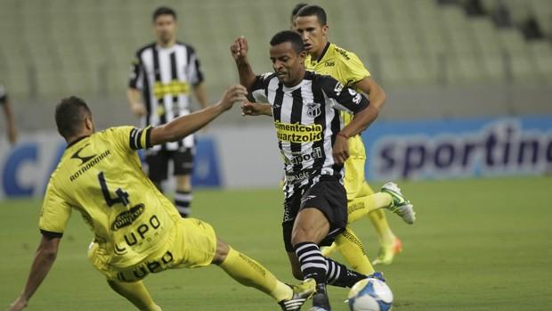 Ceará x Treze Copa do Nordeste Castelão (Foto: Bruno Gomes/Agência Diário)
