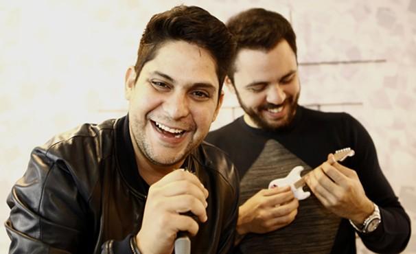 A dupla Jorge & Mateus é uma das apresentadoras do musical Sai do Chão  (Foto: Globo / Inácio Moraes)