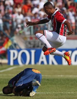 Luis Fabiano Penapolense x são paulo (Foto: Rubens Chiri/saopaulofc.net)