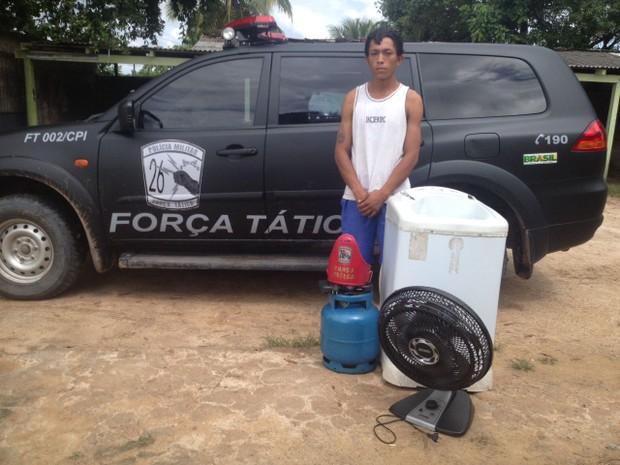 Suspeito foi preso na residência onde mora em Caracaraí (Foto: Polícia Militar/ Caracaraí)