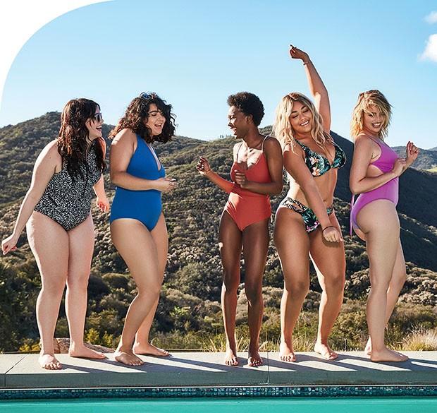 Dancinha da vitória  à beira da piscina feat.  as influencers Dounia  Tazi (@dounia), Barbie  Ferreira (@barbienox), Dominique Robinson  (@iamdominiquerobinson), Jordyn Woods (@jordynwoods) e Sarina Nowak (@sarina_nowak)  (Foto: .)