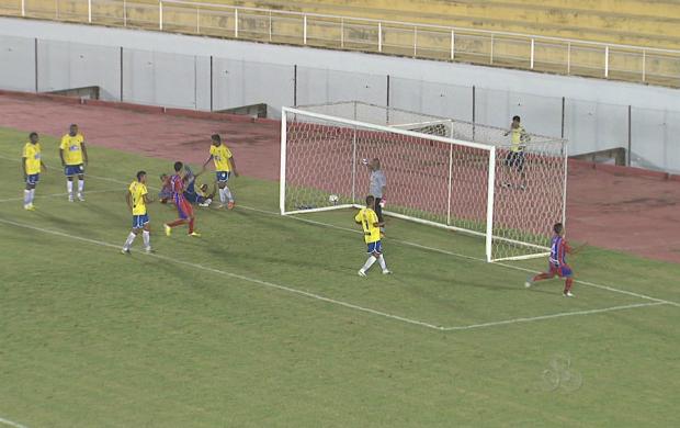 Plácido pressionou no 2º tempo, mas não conseguiu a vitória (Foto: Reprodução TV Acre)