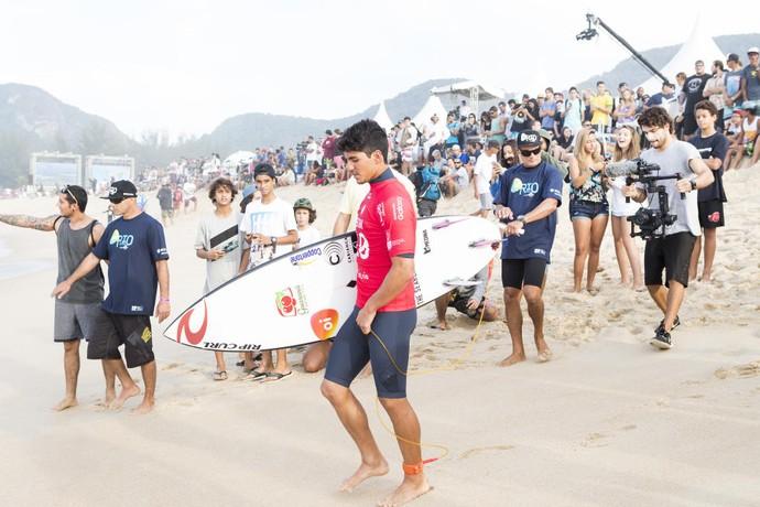 Gabriel Medina perdeu na estreia do Rio Pro (Foto: Divulgação)