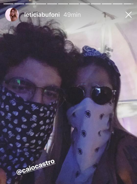 Caio e Letícia em foto publicada no stories do Instagram dela no Rock in Rio (Foto: Reprodução)