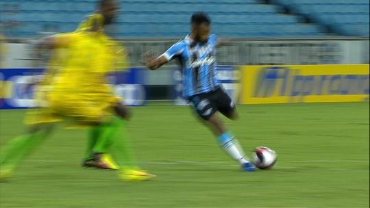 Gol e papo com Renato credenciam Fernandinho a nova chance no Grêmio