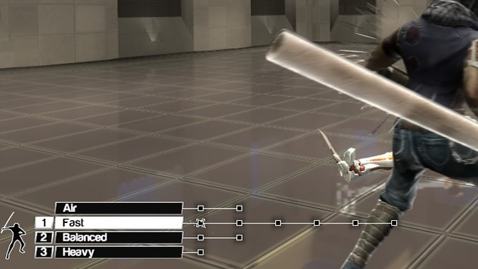 Em Blade Symphony o mostrador de estilo de luta fica ao lado do indicado de golpes em sequência e combos (Foto: Reprodução/Daniel Ribeiro)