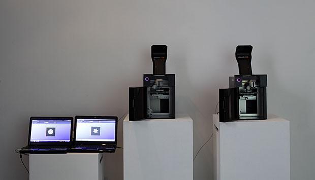 As impressoras da Akad usadas no evento (Foto: Gabriel Arantes)