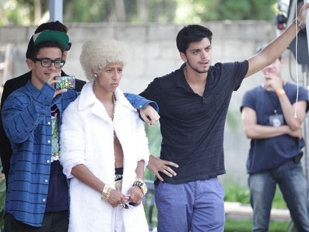 Ih... olha só a cara do Brunão. O cara vai ficar bolado com o tal do MC Realeza (Foto: Malhação / TV Globo)
