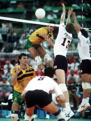 Paulão e Giovane Brasil x Holanda 1992 (Foto: Getty Images)