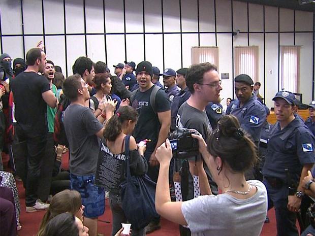 Última sessão da Câmara de Ribeirão Preto foi marcada por tumulto (Foto: Carlos Trinca/ EPTV)