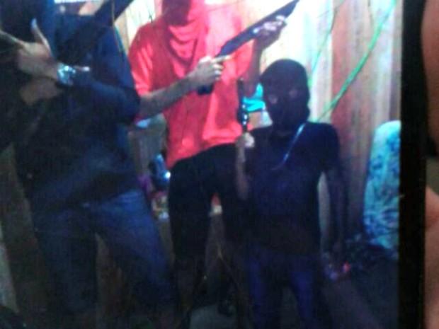Criança foi alvejada durante troca de tiros com a Polícia Militar  (Foto: Divulgação/PM-AC)