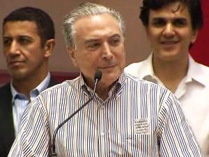 Michel Temer discursa em Belo Horizonte, na convenção do PMDB (Foto: Reprodução/TV Globo)