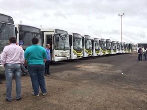 Mais de 20 ônibus coletivos deixaram de circular em Petrolina, PE (Foto: Paulo Ricardo Sobral/TV Grande Rio)