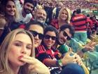 Fiorella Mattheis vai ao Maracanã para torcer pelo namorado, Pato