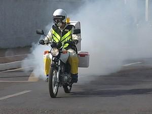 Serviço de motofog é novidade em Minas Gerais (Foto: Reprodução/ TV Integração)