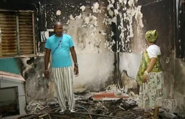 Terreiros de candomblé foram incendiados em Goiás (Foto: Reprodução/TV Anhanguera)