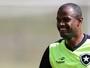 Airton reitera vontade de seguir no Botafogo, mas espera valorização