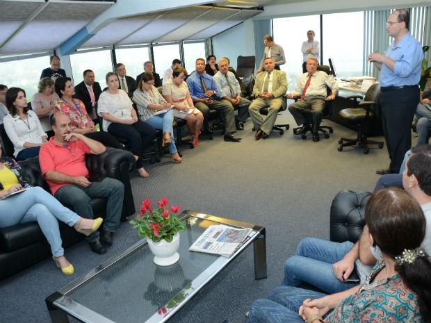 A proposta de mudança foi apresentada aos vereadores no gabinete do prefeito Pannunzio (Foto: Assis Cavalcante)