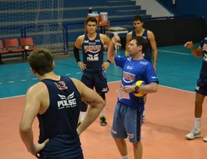 Cézar Douglas técnico Vôlei Taubaté (Foto: Filipe Rodrigues)