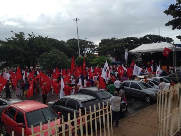 Movimento contou com aproximadamente 500 pessoas em São Luís (Foto: Clarissa Carramilo / G1 MA)