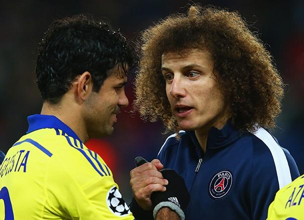 Os brasileiros Diego Costa (Chelsea) e David Luiz (PSG) (Foto: Agência Getty Images / reprodução globoesporte.com)