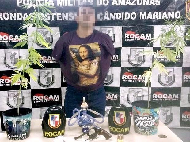 Maconha era cultivada em baldes de pipoca  (Foto: Divulgação/PM)