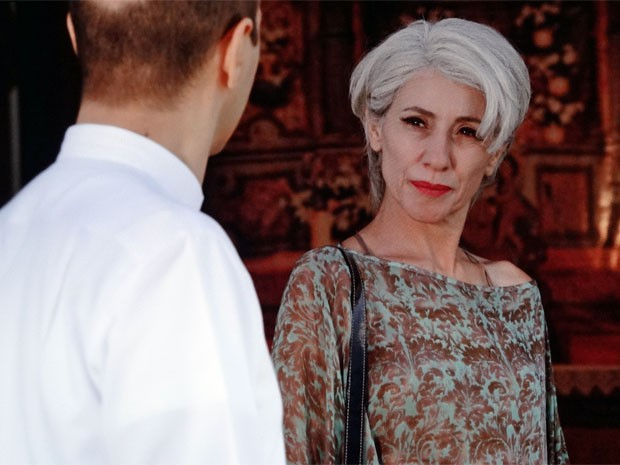 Melissa descobre que a pista de Zenóbio era falsa (Foto: Amor Eterno Amor/ TV Globo)