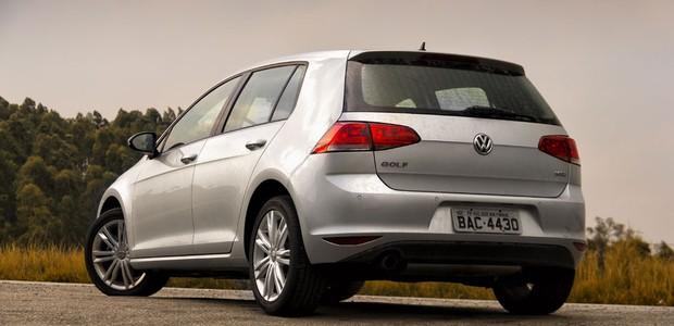 Traseira do Volkswagen Golf 1.6 nacional (Foto: Leo Sposito / Autoesporte)