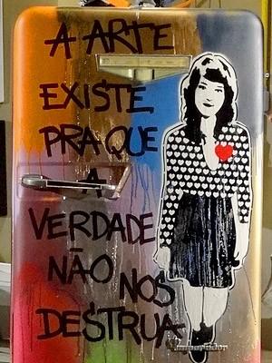 A geladeira fica um luxo! (Foto: Cheias de Charme / TV Globo)