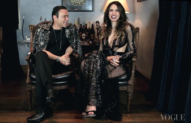 Matheus Mazzafera entrevista Luciana Gimenez (Foto: Reprodução)