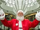 Papai Noel 'casamenteiro' nunca faz a barba e só trabalha por dois meses