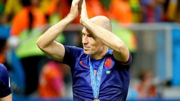 Robben ganha medalha de bronze da Holanda (Foto: Reuters)
