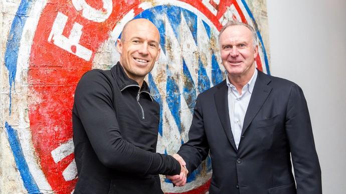 Robben renova contrato com o Bayern de Munique (Foto: Divulgação / Bayern de Munique)