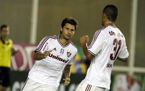 Rafael Sobis gol Fluminense x Atlético-PR (Foto: Ricardo Ayres / Photocâmera)