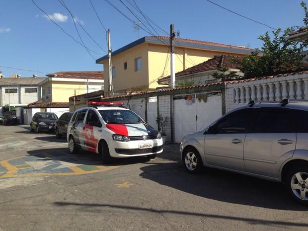 Criança foi atacada por pitbull em Santos (Foto: Rafaella Mendes/G1)