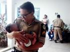 Mulher sequestra bebê após prometer doação de leite e enganar mãe