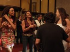 Claudia Raia, Dira Paes e Lucy Ramos esbanjam animação em gravação noturna