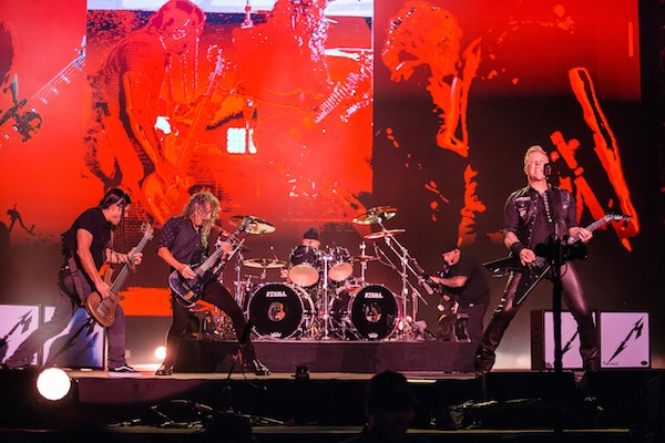 Robert Trujillo, Kirk Hammett, Lars Ulrich e James Hetfield em um show do Metallica (Foto: Getty Images)