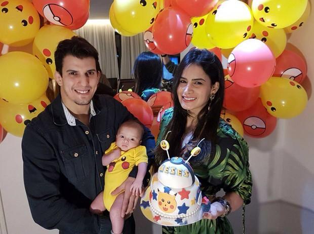 Lucilene Caetano e Felipe Sertanejo com Theo (Foto: Divulgação)