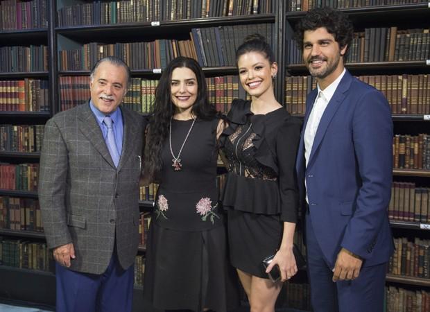 Tony Ramos, Letícia Sabatella, Vitória Strada e Bruno Cabrerizo têm papéis centrais em 'Tempo de Amar' (Foto: Divulgação/TV Globo)
