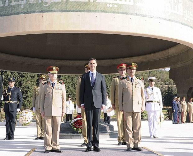 O presidente Bashar al Assad, em foto divulgada neste sábado (6) (Foto: Reuters)