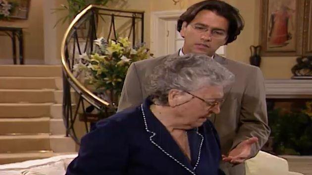 Alexandre tenta convencer Luiza a depor contra ngela (Foto: Reproduo/viva)