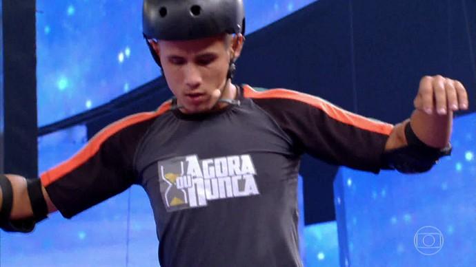 Pedro Rafael Marques encara provas que desafiam seu equilíbrio (Foto: TV Globo)