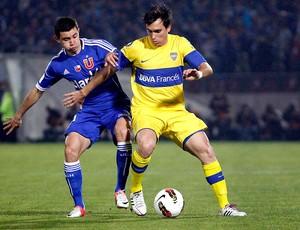 Mena e Pablo Mouche, Universidad de Chile x Boca Juniors (Foto: Agência Reuters)