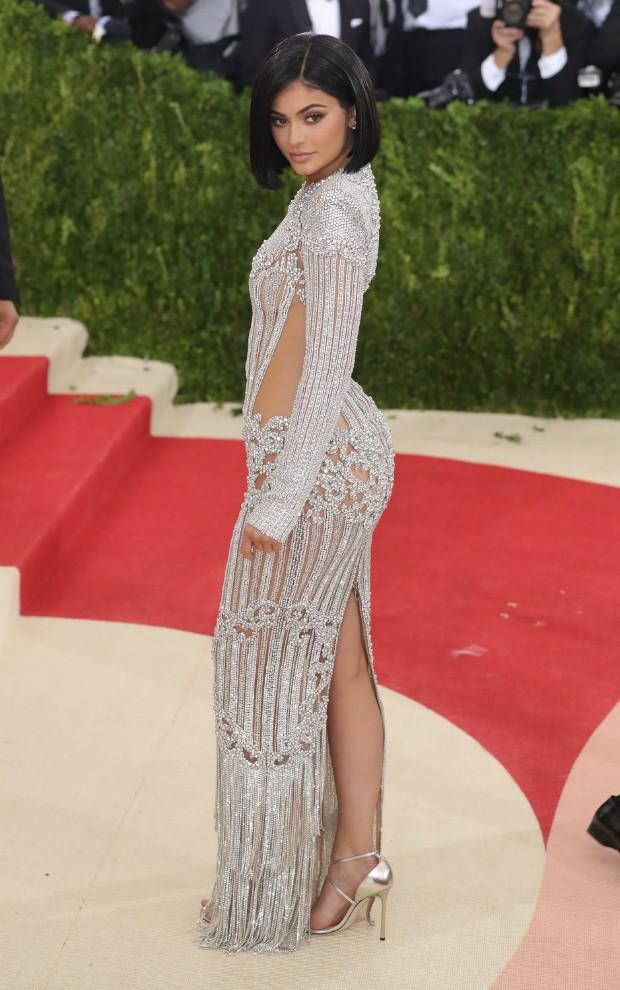 A verdadeira Kylie Jenner no MET Ball de , vestindo Balmain (Foto: Getty Images)