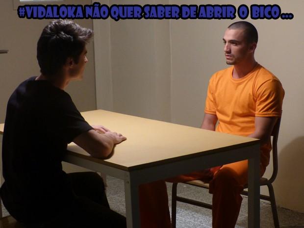 Vitinho quer saber onde tá a  grana do sequestro (Foto: Malhação/TV Globo)