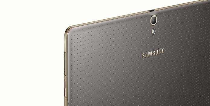 Tablets serão vendidos nas cores cinza com borda dourada e branco com borda prateada (Foto: Divulgação/Samsung)