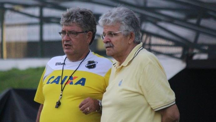 ABC - Geninho, técnico - Leonardo Arruda, vice-presidnte de futebol (Foto: Divulgação/ABC)