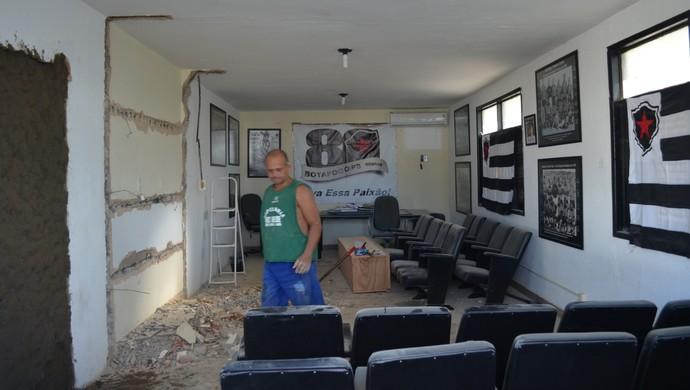 reformas maravilha do contorno, maravilha do contorno, botafogo-pb (Foto: Lucas Barros / GloboEsporte.com/pb)