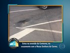 Cruzamento movimentado em BH tem asfalto danificado e rachaduras